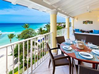 Tropical Oceanfront Penthouse living, Dover