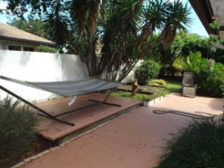 FURNISHED PET FRIENDLY HANDICAPPED ACC. M BEDROOM, Delray Beach