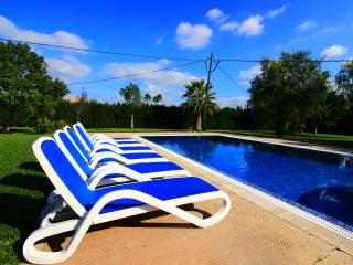 Villa Wind with a private pool and jacuzzi, Sa Pobla