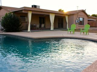 NEWLY FURINSHED 3 BR House in Scottsdale w/ Pool.