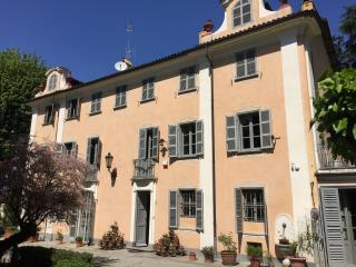 Popi's house, rooms in old vineyard near the cente, Turin