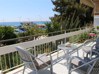 BEAUTIFUL 2BEDROOM APARTMENT NEXT TO THE SEA FRONT, Glyfada