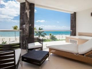 Luxury Beach Retreat Marea #116, Playa del Carmen
