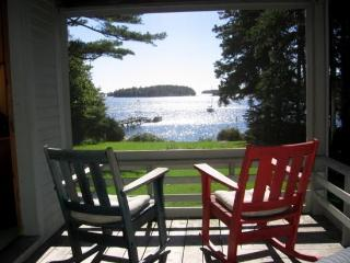 JOHN'S COTTAGE | MCKOWN POINT | JUNIPER POINT ASSOCIATION | OCEAN FRONT | OCEAN VIEWS | SHARED BEACH | ASSOCIATION DOCK & FLOAT | NEAR MAINE STATE AQUARIUM | WALK TO TROLLEY, Boothbay