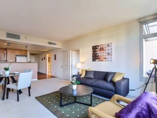 Great Location & Views w/ Amenities Galore, Mountain View