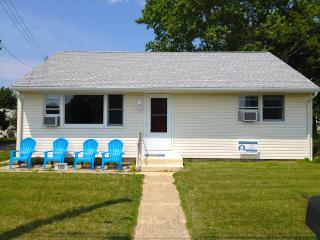 3BR, WiFi, Pool Access, Walk to Beach, W/D, DW, Cape May