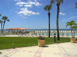 Luxury Beach Condo, Clearwater
