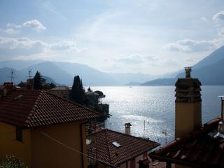 Modern and central apartment at ground floor, Varenna