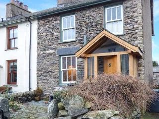 SPRINGFIELD well-equipped, woodburning stove, WiFi, garden pet friendly in Staveley Ref 926646