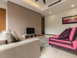 1 Min Walk To KLCC Luxury Family Suites for 8, Kuala Lumpur