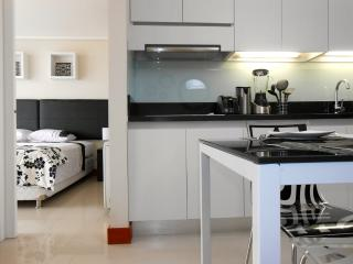 Minimal 1 Bedroom Apartment in Las Condes, Santiago
