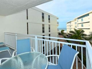 Newly renovated 4th floor Gulf Side 2BR #406GS, Sarasota