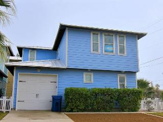 Newly constructed 4 bedroom 2.5 bath in the heart of Port Aransas!