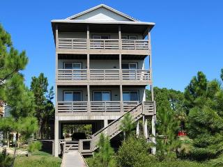 Relaxing Beachfront 6 Bed, 4.5 Bath Home, Fenced Area, Entertainer's Delight, Cape San Blas