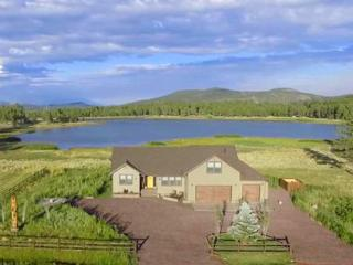 Luxury Lake Front Property near Grand Canyon, Williams