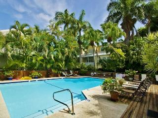 Southard Square Hideaway Old Town, Pool, Parking Too!, Key West