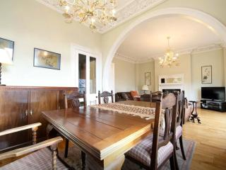 Large Westend Executive Apartment, Aberdeen