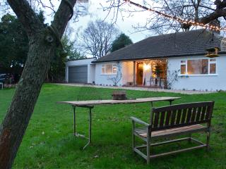 Flatford Lodge - 1930's home with  breathtaking view, East Bergholt