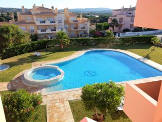 Luxury, two bedroom air conditioned apartment, Olhos de Agua