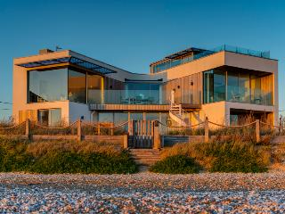 Sea Gem - Luxury Ocean-front Camber Beach House
