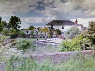 17th Century farm house in the New Forest to let, Sway