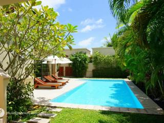 Superb private pool villa next to the beach, Choeng Thale