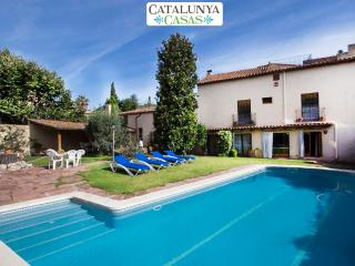 Elegant Castellar villa in the mountains of Catalonia, 35km from the beach and Barcelona, Castellar del Valles