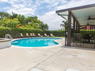 GRAND OPENING!! Completely Remodeled & Renovated 4-Bedroom/3-Bath Pool Home Minutes from Disney!!, Anaheim