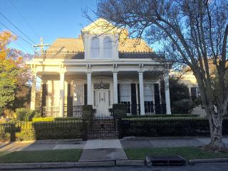 Garden District one bedroom apartment., New Orleans
