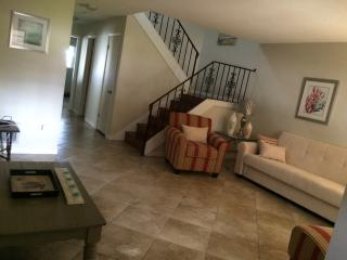 Beautiful home , ocean,, Bicentennial Beach 1 block  walk, Indian Harbour Beach