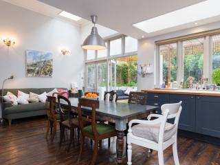5 bed family house on Fairlawn Avenue, Chiswick, London