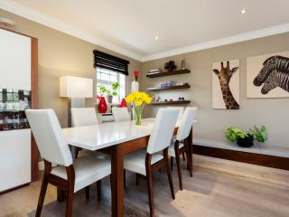 2 bed Mews house, Chadwick Mews, Chiswick, London