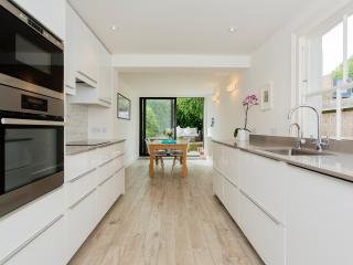 3 bed cottage, Binns Road, Chiswick, London