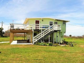 Sandy Toes & Salty Kisses - Relaxing Beach Cottage, Galveston