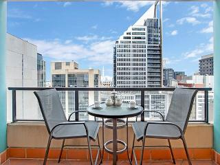A2504 - Modern, Centrally located Sydney Apartment