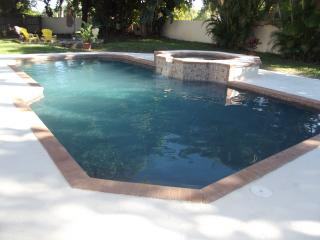 Spacious Oasis home with extra large pool, Delray Beach