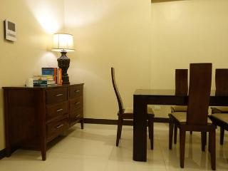 8 Forbes Town Road Suites, Taguig City