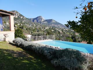 Villa with infinity pool and spectacular views, Vence