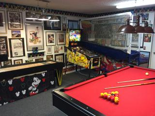 New Video,Awesome Game Room,Pool,Spa, 65 4KTV,4/3,, Kissimmee
