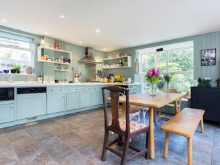 Spacious 5 bed family home with off-street parking, Twickenham, London