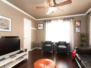 Bright and spacious 2BR in RosePark, Long Beach