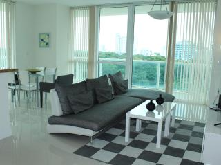 Stunning 2 Bedroom Luxury Suite, Miami