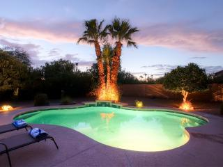 Pristine Recently Updated 4BR Scottsdale House w/Wifi, Gas Grill, Heated Outdoor Pool & Covered Patio - Easy Access to Dining, Shopping, Outdoor Activities & More!