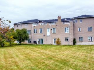 New Listing! 'The White House' Tremendous 12BR Brampton House w/Wifi, Large Private Balcony & Beautiful East Indian Decor - Centrally Located in the High-End Castlemore Area! Perfect for Weddings, Family Gatherings & Special Events!
