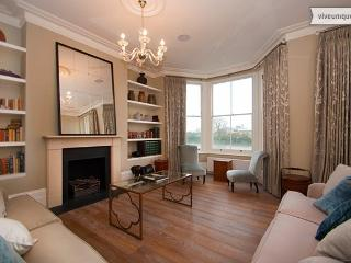 Beautiful Riverside 5 Bed Townhouse, near Kensington, London