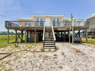 Breathtaking 3BR Dauphin Island Cottage w/Private Deck, Gas Grill & Great Gulf of Mexico Views - Near Beautiful Beaches & Local Attractions!