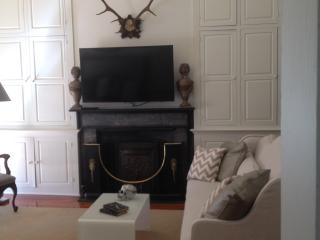 Luxurious French Quarter Apartment w/ Balcony View, New Orleans
