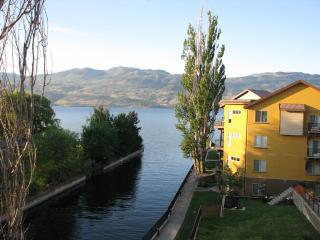 Luxurious Beachfront Condo, West Kelowna