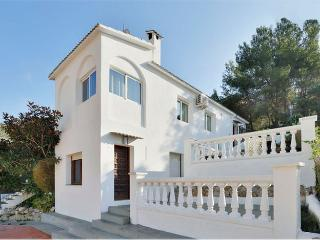 15 min to the BEACH, 10 BDR, Sitges