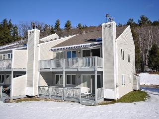 3 BR Condo with Mtn Views. Near Skiing, Shopping, Hiking & Restaurants!, Intervale